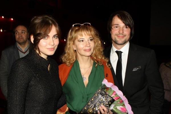 Даниил Козловский с мамой и Юлией Снигирь